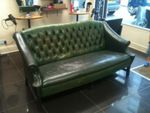 Диван Chesterfield в зелен цвят